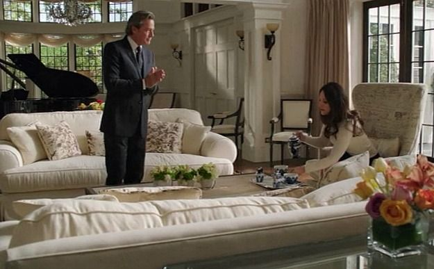Revenge The Sets Behind The Scenes At Grayson Manor Grayson Manor Great Rooms Nelson Homes
