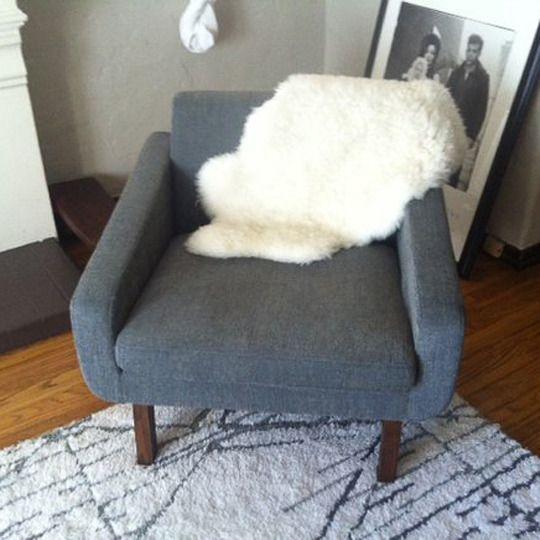 Mantas de pelo piel para decorar sobre el sof la butaca - Mantas de piel ...