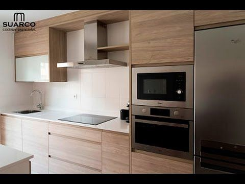 Cocina moderna nordica con encimera de silestone blanco for Muebles de cocina modernos color blanco