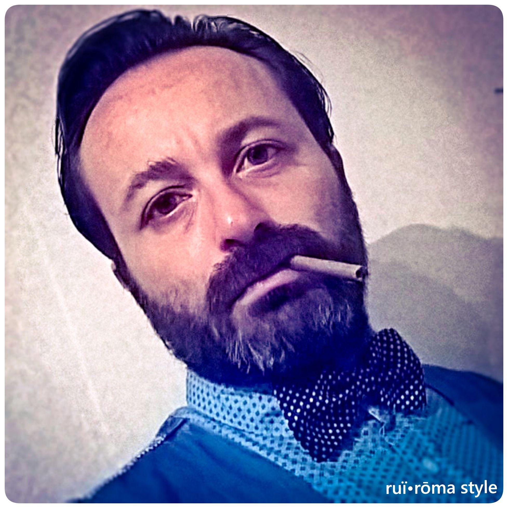Io non obbedisco se non alle leggi di quello stile a cui, per attuare un mio concetto di ordine e di bellezza, ho assoggettato la mia natura libera.[G. D'Annunzio] #ruiroma #style #fashion #class #man #cool #design #kult #Naples #papillon #madeinitaly #Italy #brusciano #italianstyle #cigars #sigaro #sartorianapoletana #stilenapoletano #italian #lifestyle #modauomo #gentleman #dandy #elegance