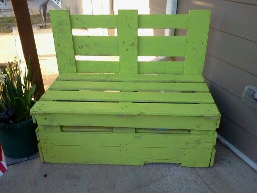 Awe Inspiring Pretty Pallet Bench Also Doubles As A Storage Box For Sons Uwap Interior Chair Design Uwaporg