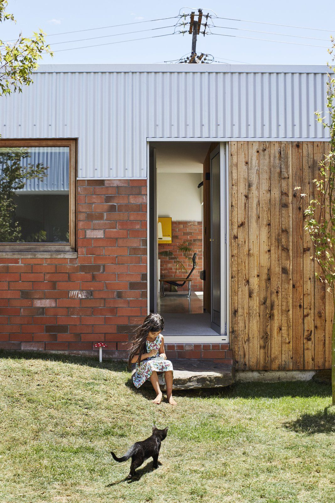 Photo 8 of 17 in This DIY Home in New Zealand Doubles as a