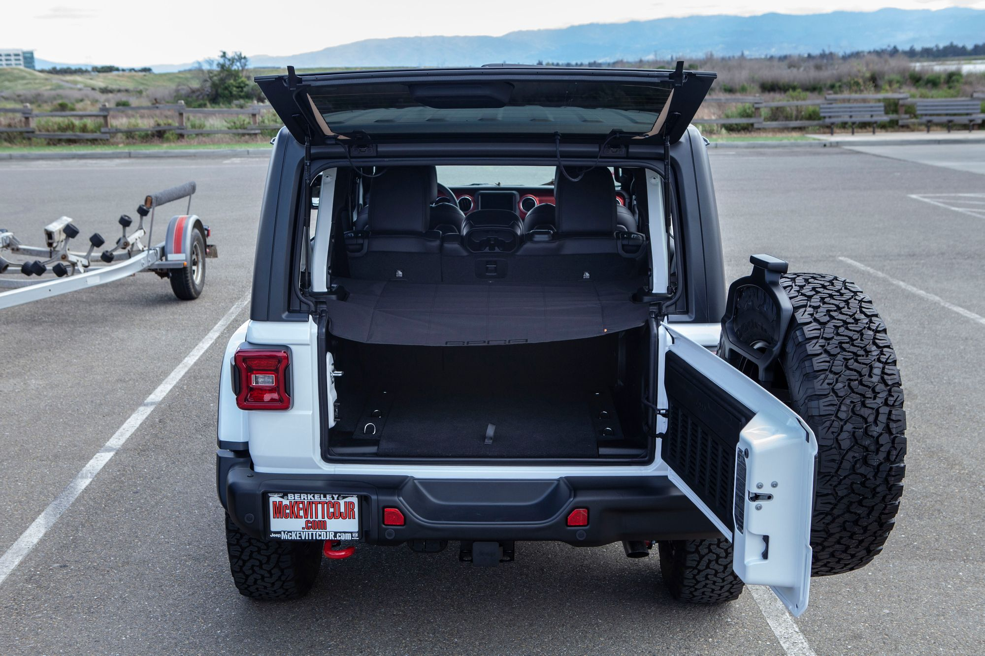 Jeep Wrangler Jl Unlimited Cargo Cover Lite With Images Jeep