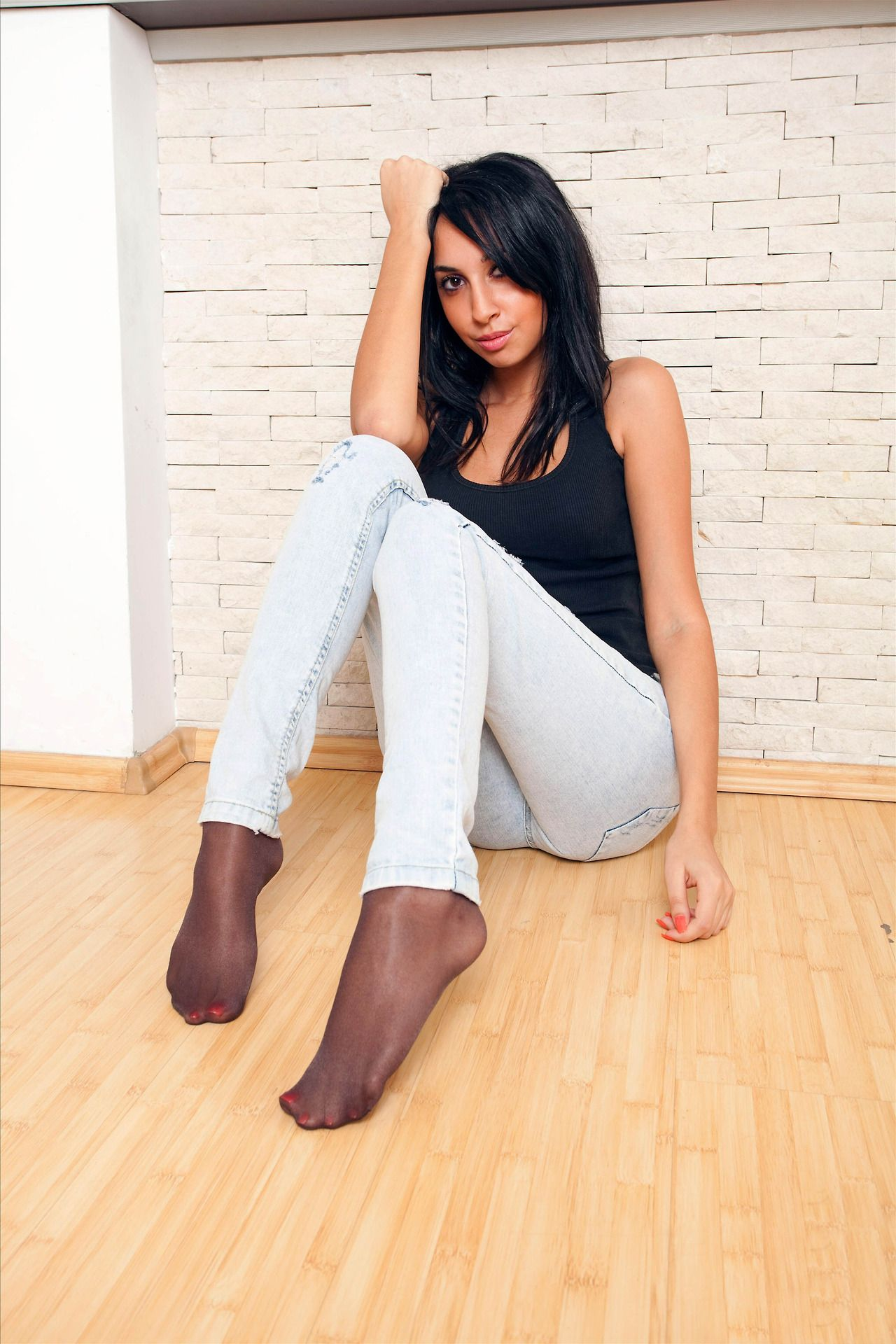 As seen on Legs.BZ website. | Legs, Feet, Nylons