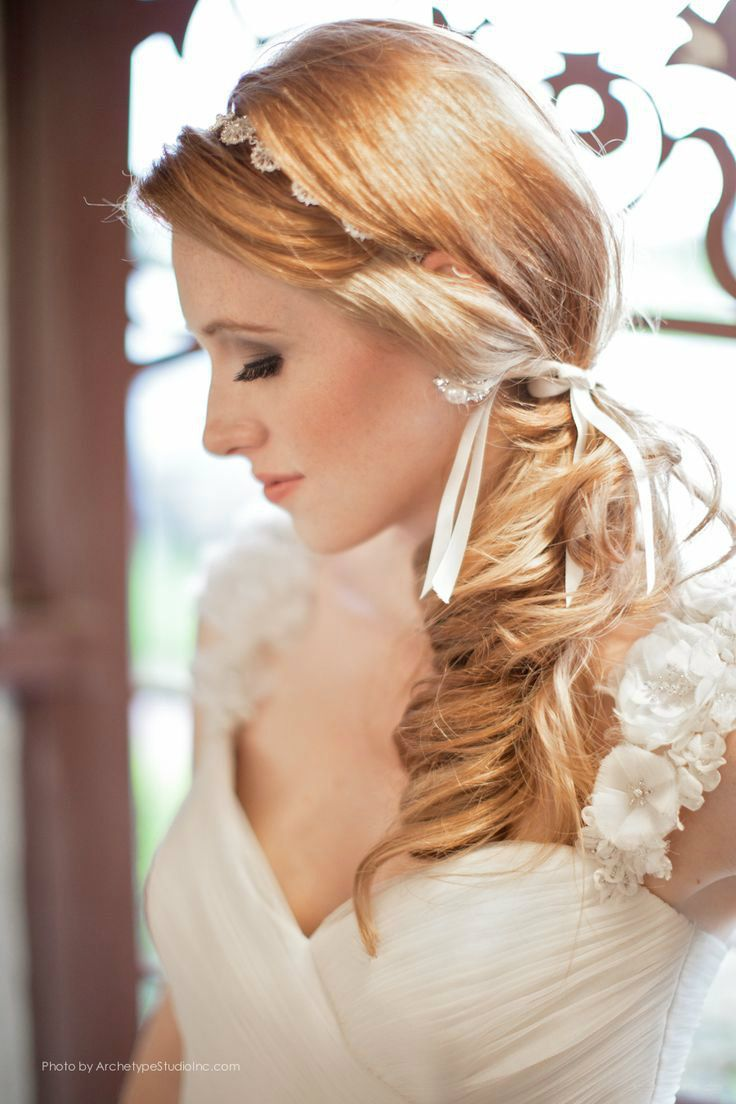 side ponytail wedding hairstyle with flowered headband_04