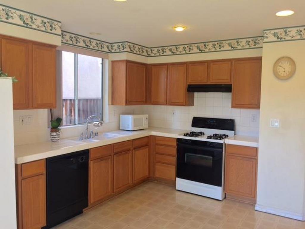 255 Ballybunion Way San Jose Property Listing Mls Ml81593163 Home Kitchen Cabinets Home Decor