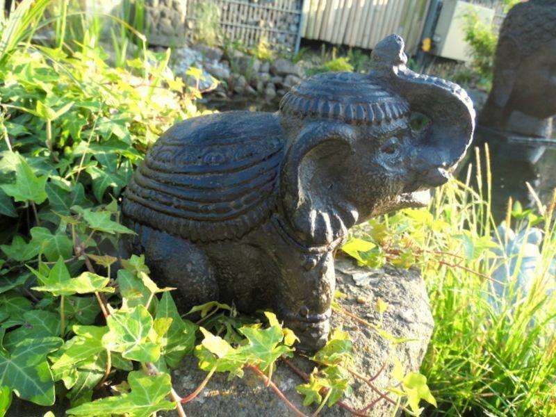 Süßer Elefant, Gartendeko, Indien, Afrika von silver-style via dawanda.com