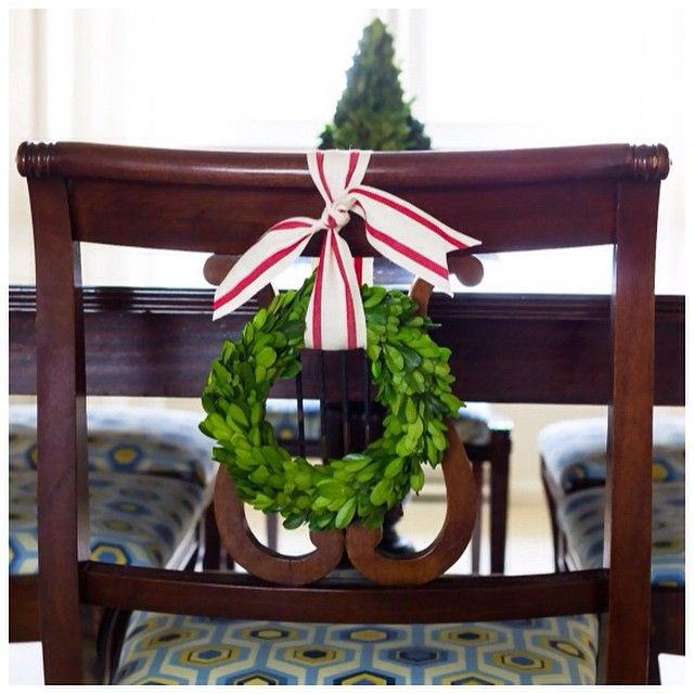 Decorate Your Dinning With These Lovely Christmas Chair: I've Wanted To Hang Tiny Wreaths On My Dining Room Chairs