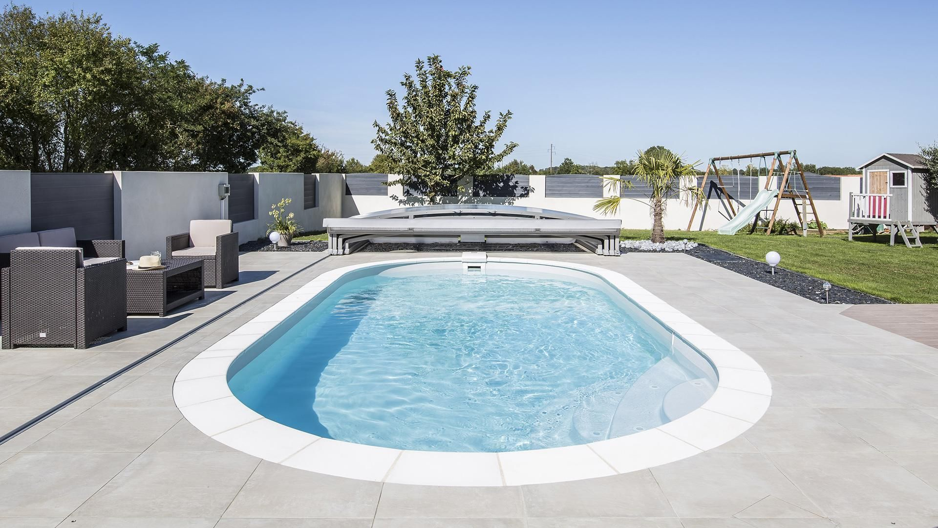 Piscine ovale Elsa une piscine au design intemporel