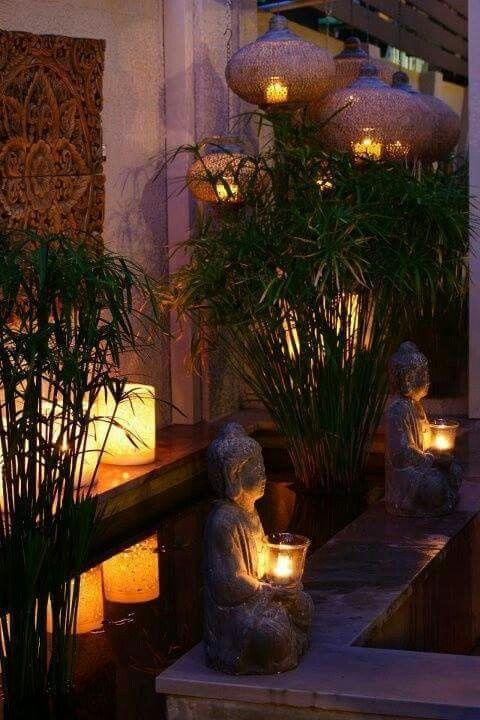 Gartengestaltung Garten Lichter Kerzen Romantisch Harmonisch Einladend Grun Pflanzen Lamoen Dekoration Buddha Garten Balinesischer Garten Diy Hinterhof