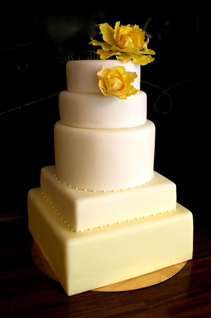 Very subtle yellow ombre wedding cake...love it! | Cakes & Cupcakes ...