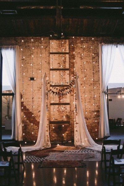 Fairylights no altar. Romance e delicadeza com as luzes de fada.