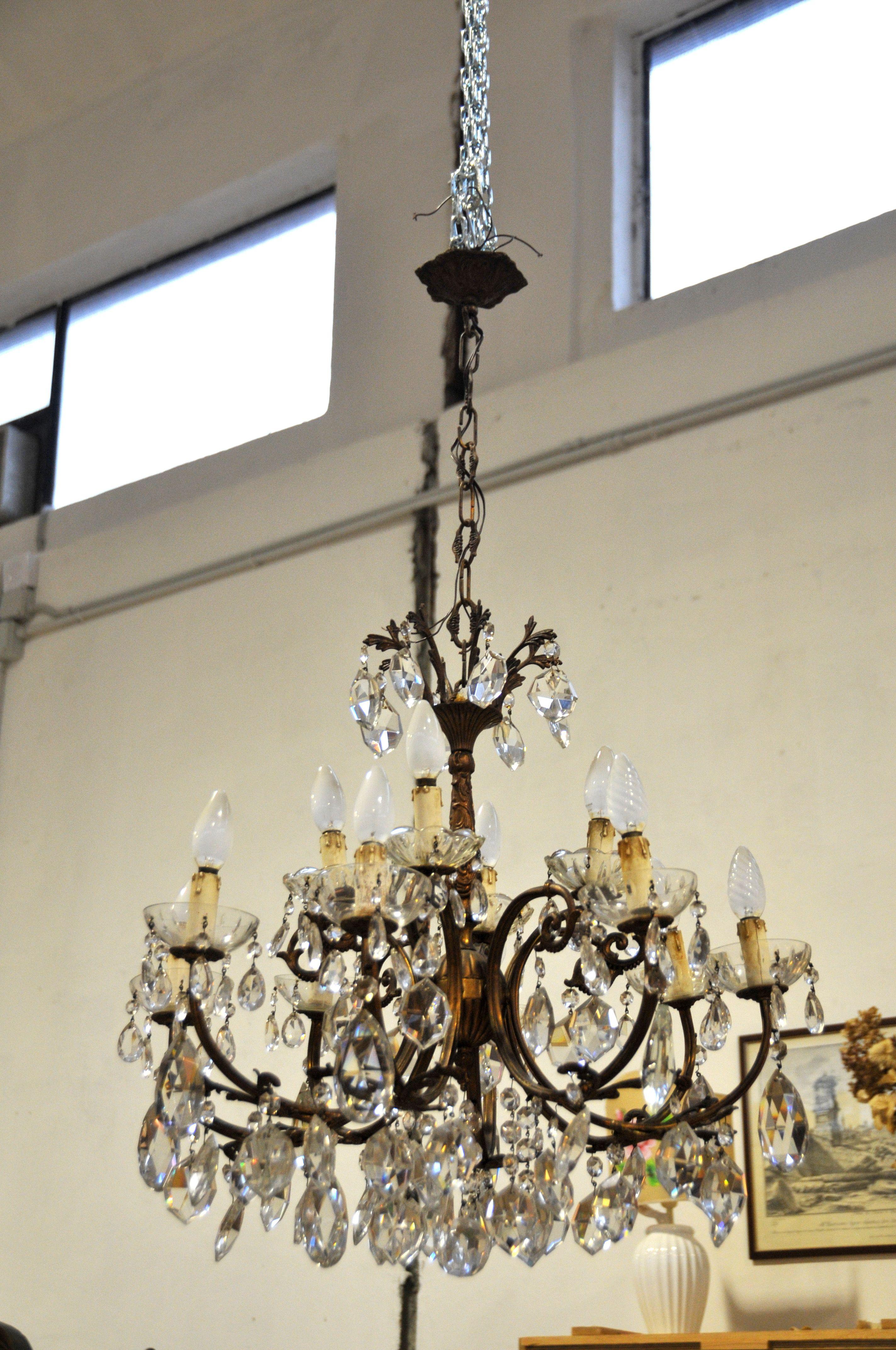 lampadario in cristallo, dei primi anni del 900, restaurato. Lampadario In Ottone E Gocce Di Cristallo Lampadari Lampadario Goccia Di Cristallo