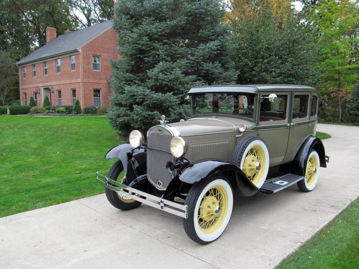 1930 ford model a deluxe fordor town sedan by briggs
