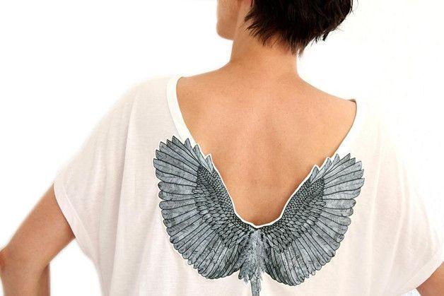 T-shirts avec appliqués, Bat T-shirt avec des ailes est une création orginale de katiwo sur DaWanda