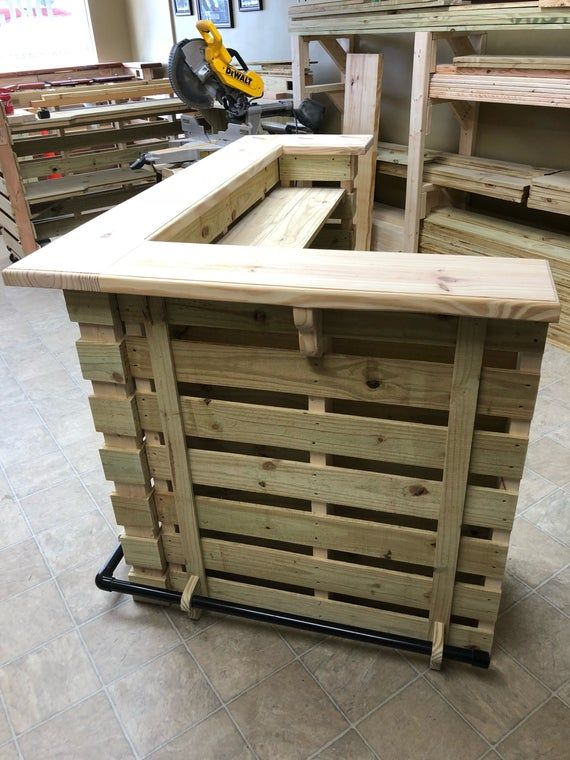 The Buccaneer Pallet Bar / Tiki Bar •• April Sale •• ( Un-finished ) L shape, Left or Right Hand Entry. Beautiful.