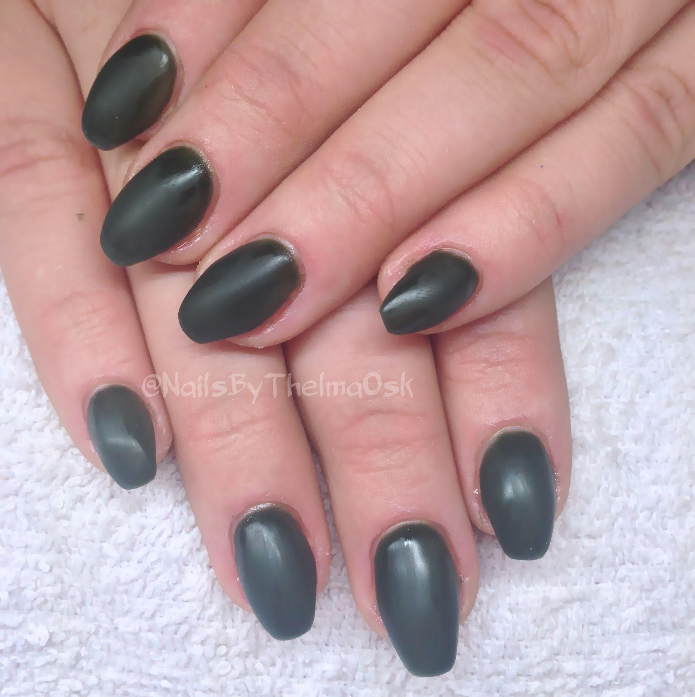 Super nice dark green gel manicure with matte finish ...
