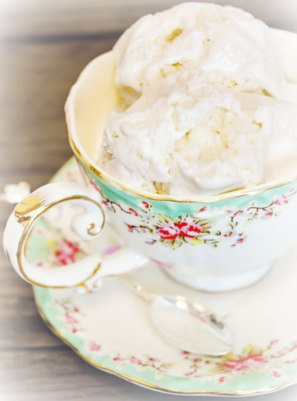 Earl Grey Ice Cream ~Debbie Orcutt ❤  http://blog.stashtea.com/post/55288867482/what-happens-when-two-of-our-favorite-things-in