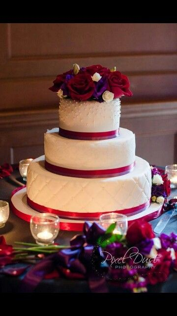 Pin By Josy On Boda Cool Wedding Cakes Wedding Cake Roses Red