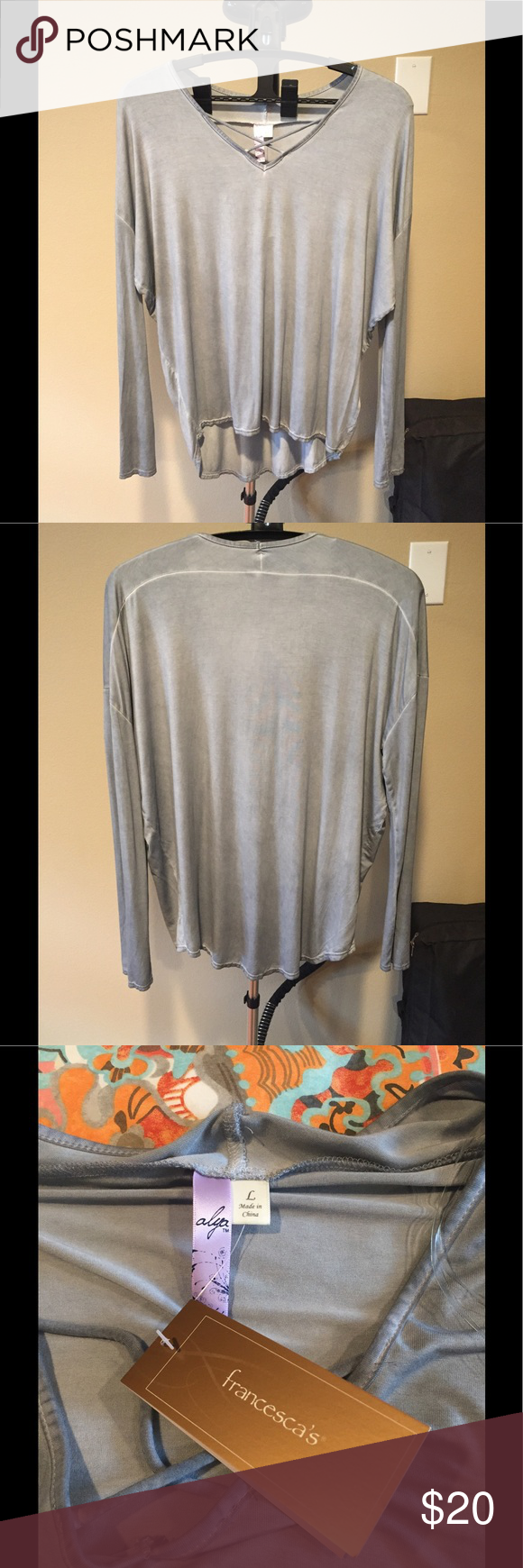 NWT LONG-SLEEVE TUNIC STYLE TOP NWT Gray-Blue Long-sleeve Top. Looks great with leggings, jeans or a long skirt. This top is very flattering!!! Alya Tops Tees - Long Sleeve