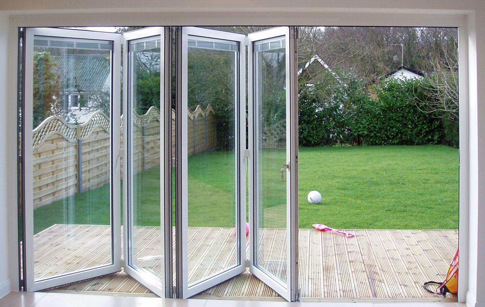 Crea maravillosas puertas de salida al jard n con las for Puertas jardin aluminio