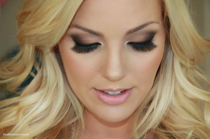 wedding makeup inspiration smokey eye blonde
