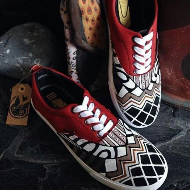 Épinglé par KITO sur AFRO SHOES | Chaussures peintes sur