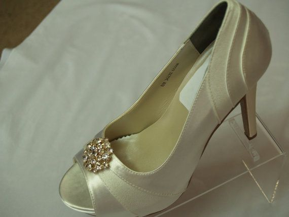 Wedding Shoes 4inch Heels Ivory Gold With Swarovski Crystals Brooch