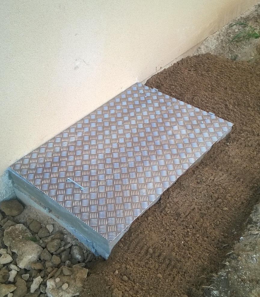 Couvrir un vide sanitaire est indispensable pour la for Plaque beton garage