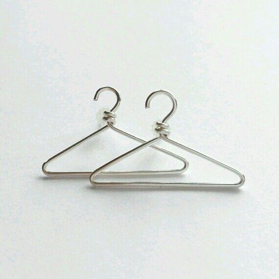 Miniature wire coat hangers | Handmade Jewelry | Pinterest | Wire ...