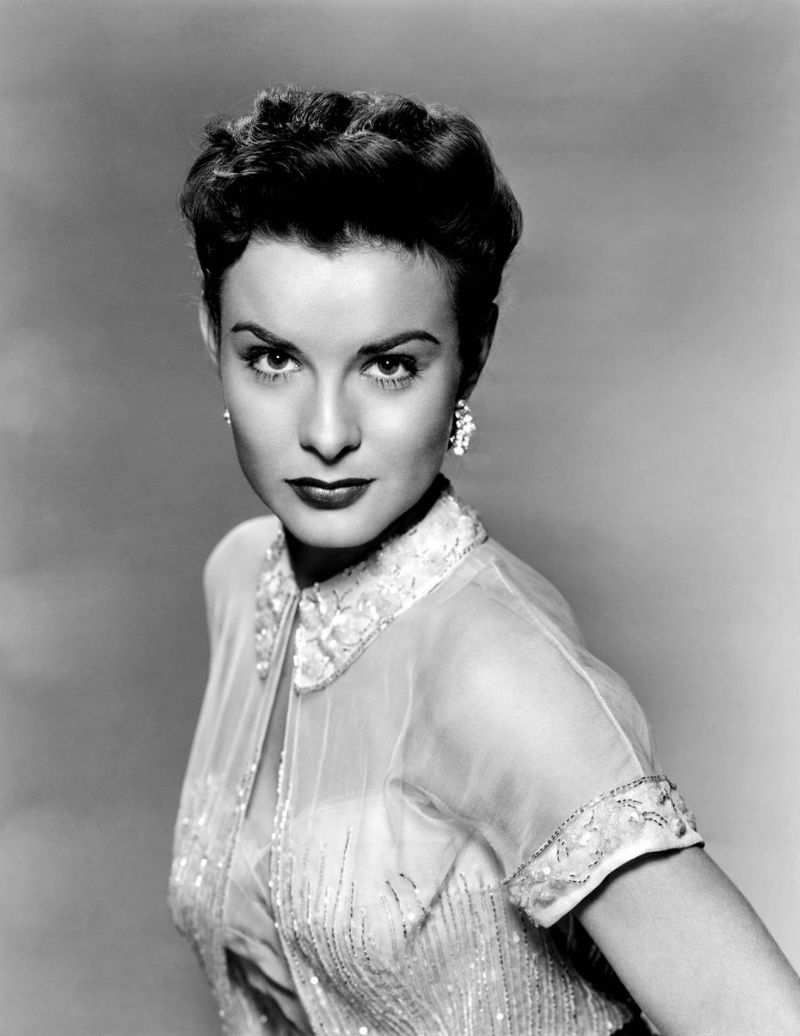 JEAN PETERS (October 15, 1926 – October 13, 2000) was an American actress, known as a star of 20th Century Fox in the late 1940s and early 1950s.