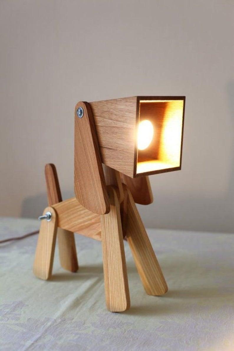 Hund Geformt Schreibtischlampe Etsy In 2020 Wood Lamp Design Wood Lamps Wooden Lamp