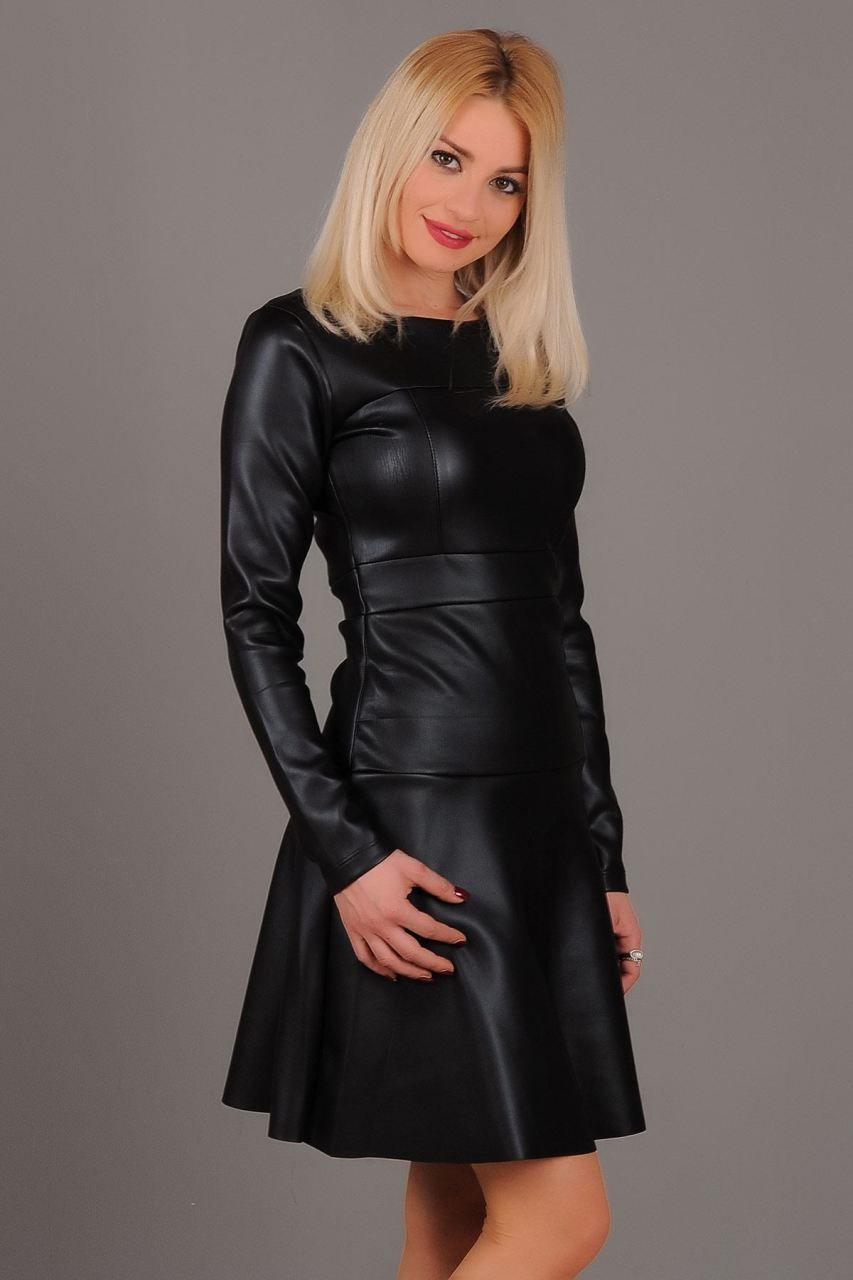 Oval Yaka Deri Elbise Siyah Elbise Giyim Indirim Kampanya Bayan Erkek Bluz Gomlek Trenckot Hirka Etek Yelek Mont Kas Goruntuler Ile Elbise Elbise Modelleri Moda