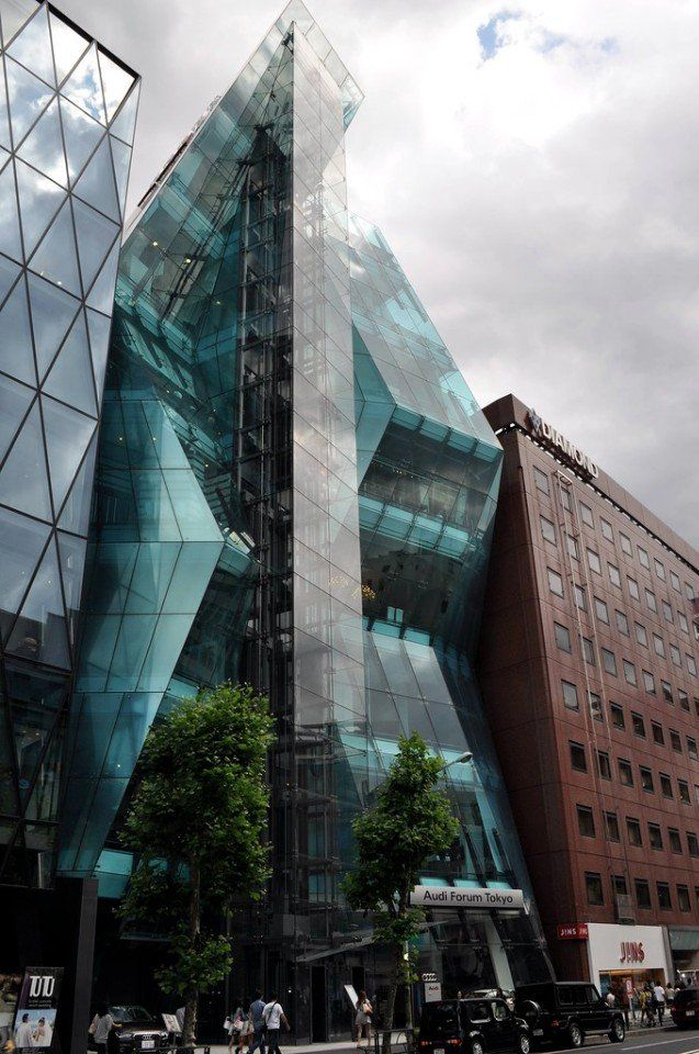 Здание компании Audi в Токио