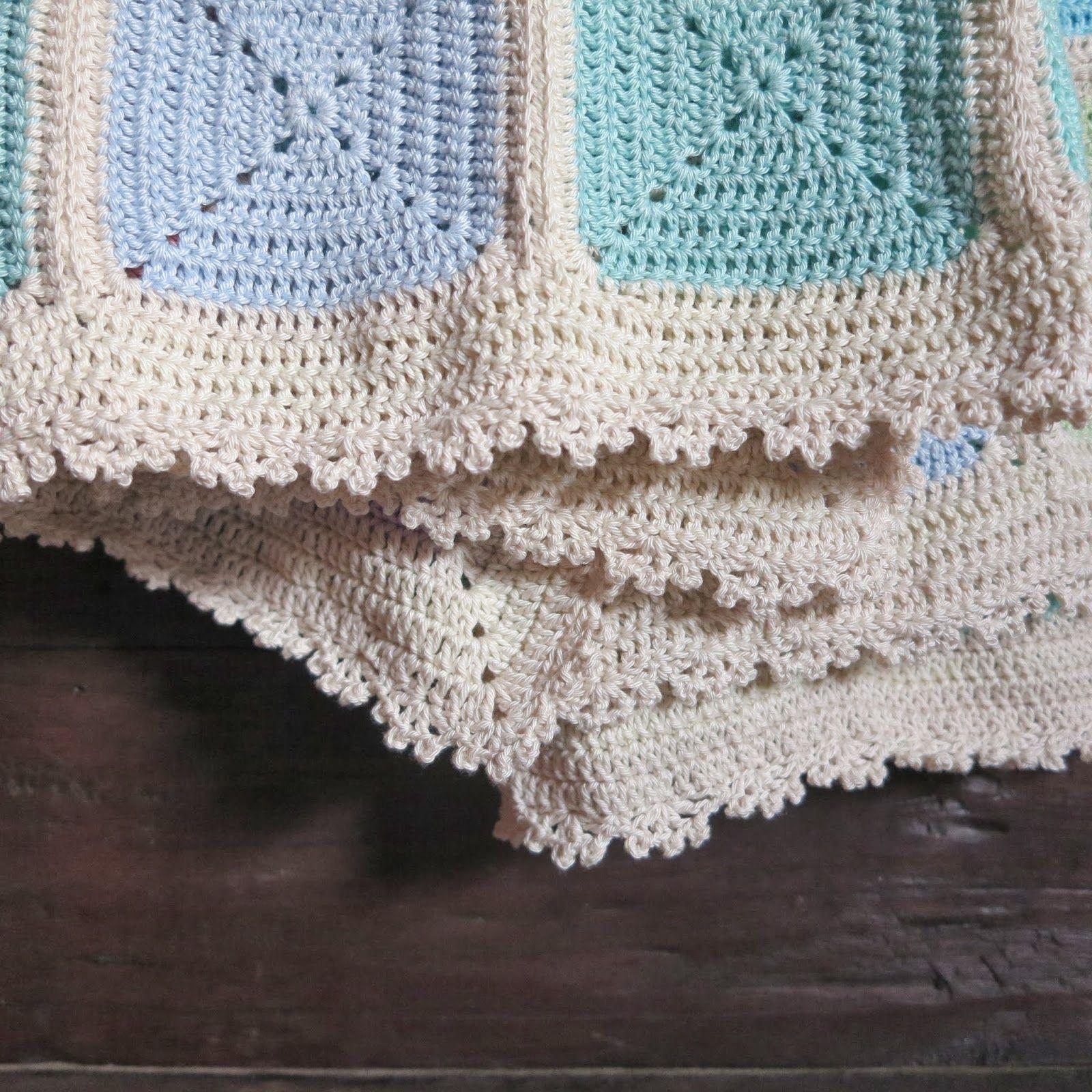 ByHaafner, crochet, travel blanket, backside, solid granny squares ...