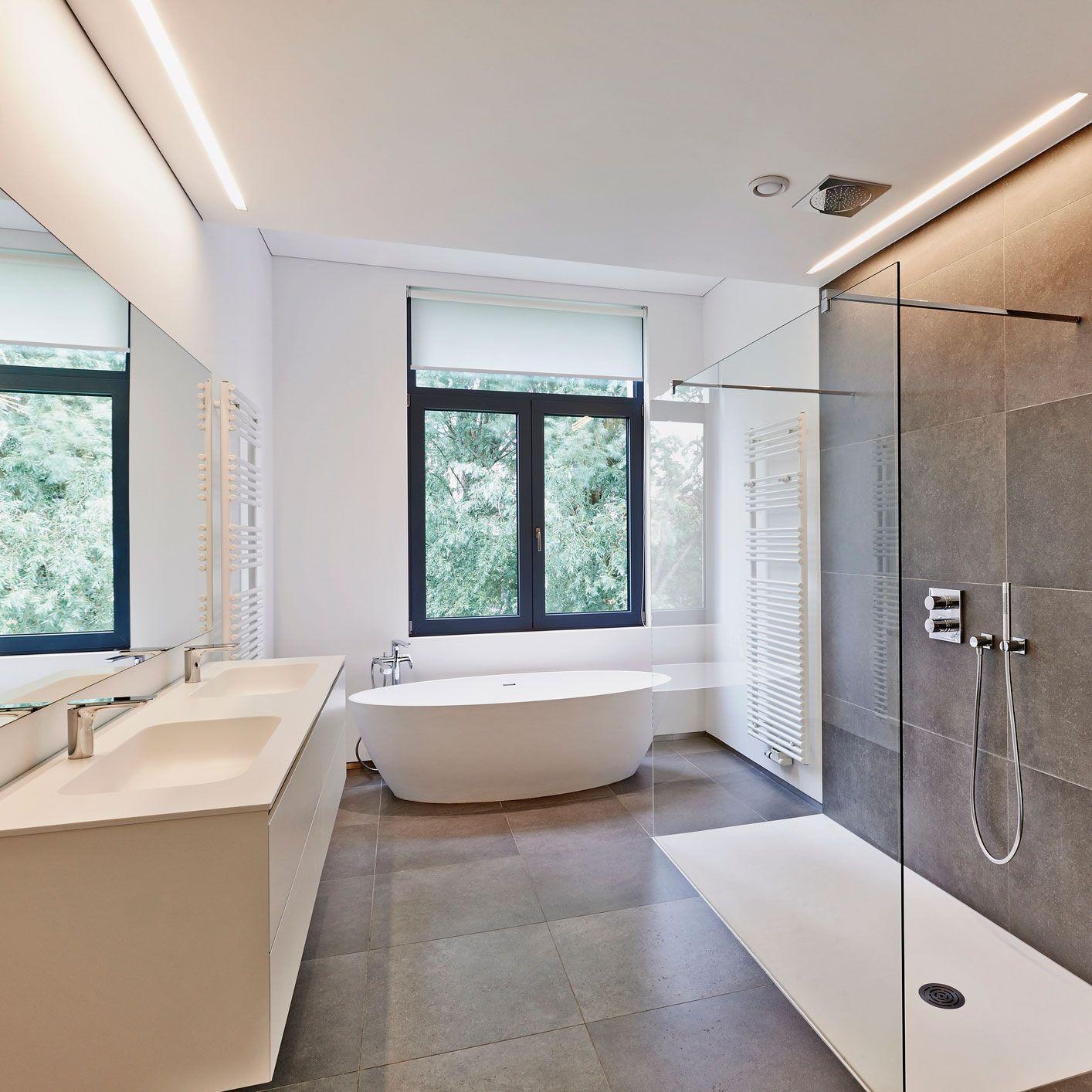 Mit Diesen 6 Einfachen Schritten Kannst Du Dein Badezimmer Neu Gestalten Badezimmer Badezimmer Renovieren Tolle Badezimmer
