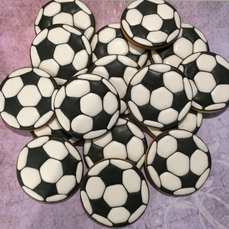 Galletas Decoradas En Forma De Balón De Futbol