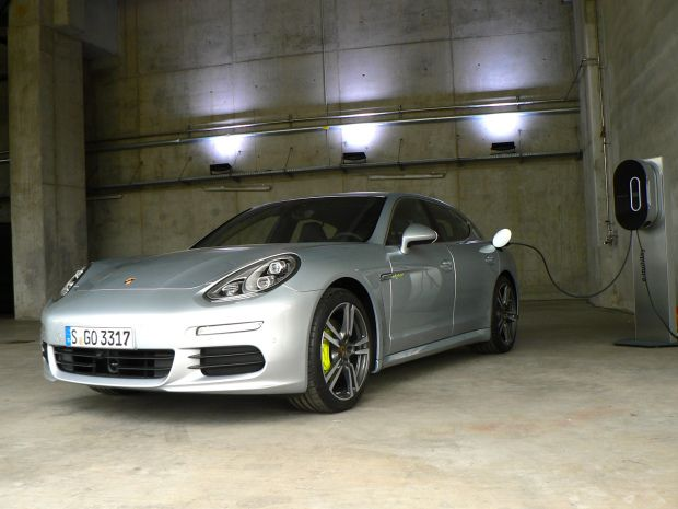 The Panamera Plug In Hybrid Claims To Have Prius Beating Fuel Economy