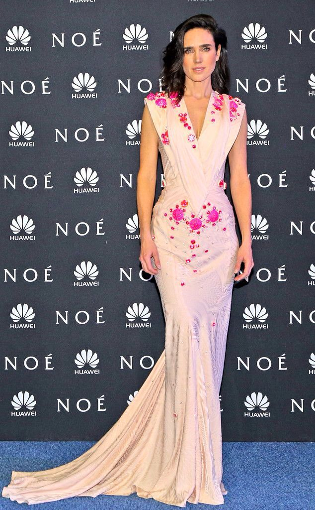 Jennifer Connelly wore a Givenchy couture Autumn/Winter 2009 gown - Noah premiere in Mexico City