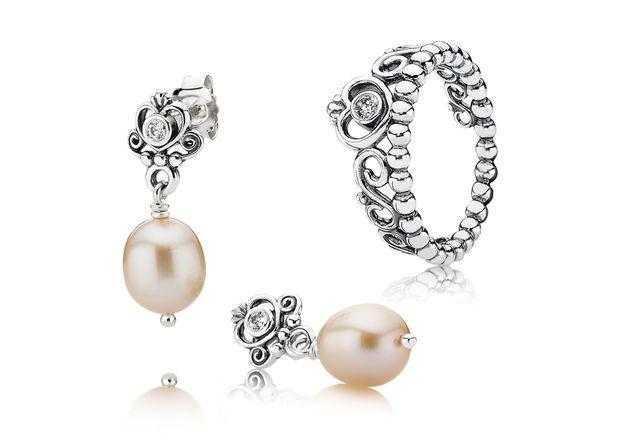 e0d04f7adcfdc My Princess Tiara Ring & Earrings Jewellery Set | PANDORA eSTORE ...