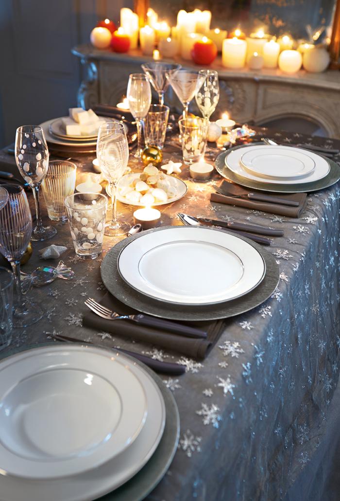 decoration moderne joyeuses fetes deco table noel idee deco noel fait maison