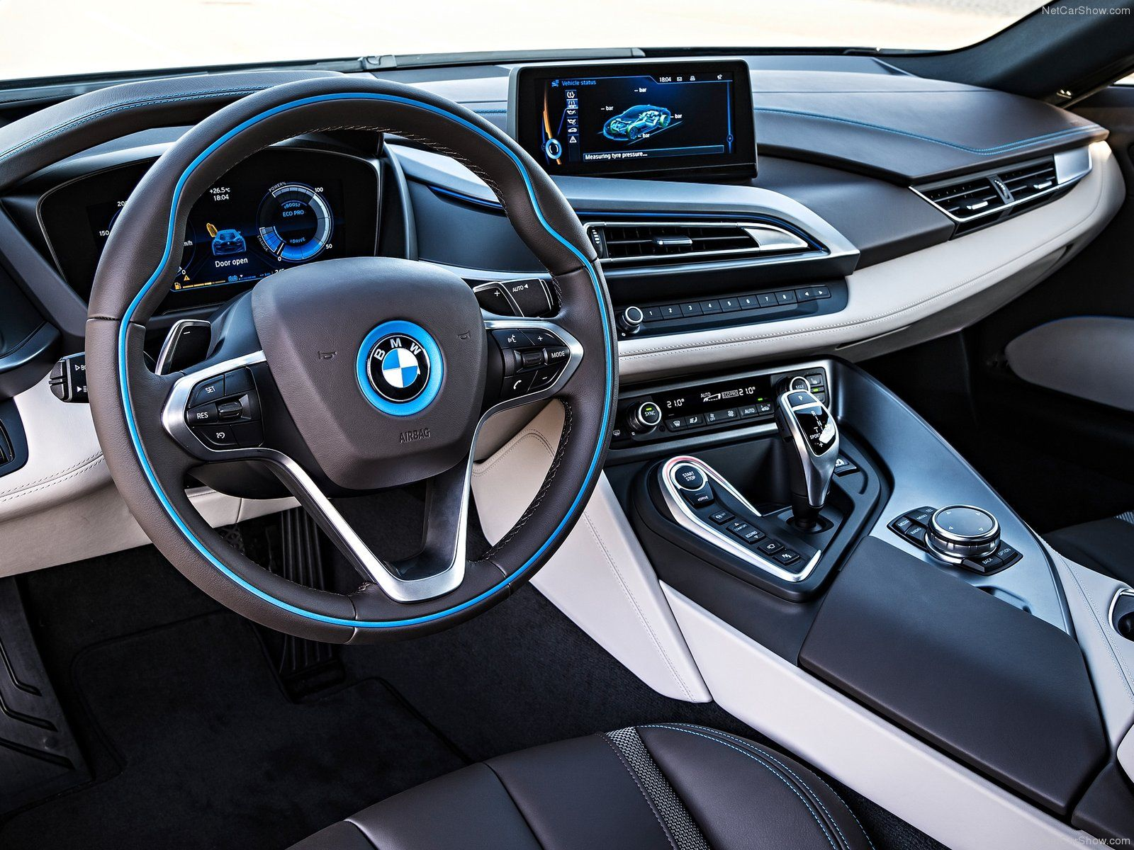 Bmw I8 Finally A Beamer With An Interesting Dash Far From Boring
