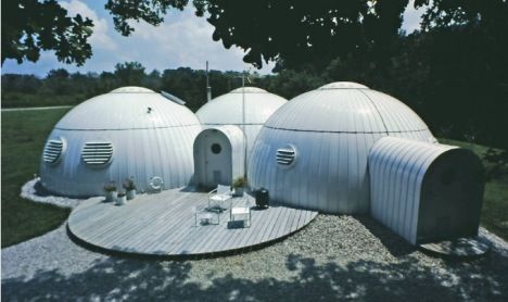 Michael Jantzen S Amazing 1981 Modular Steel Dome House Slideshow Dome House Geodesic Dome Homes Amazing Buildings