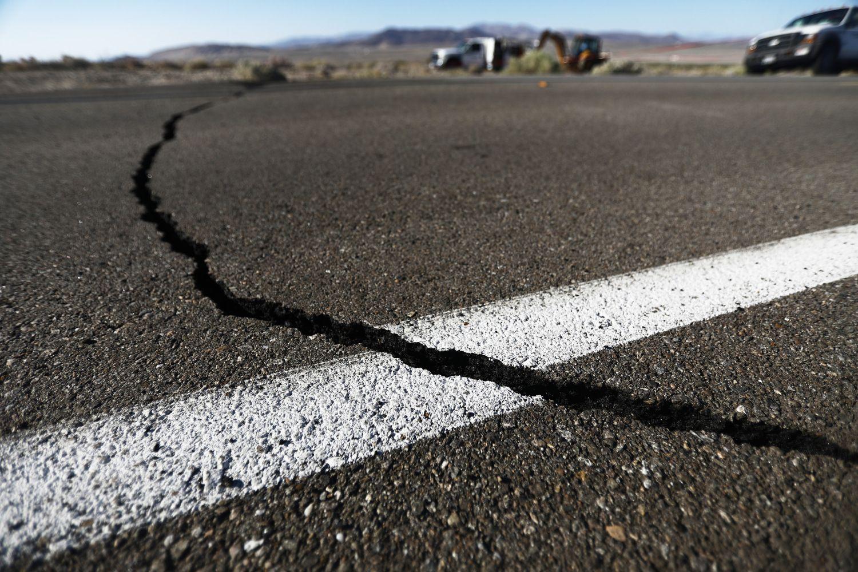 Do You Need Earthquake Insurance In Sacramento Cbs Sacramento California Towns California Coast Earthquake Damage
