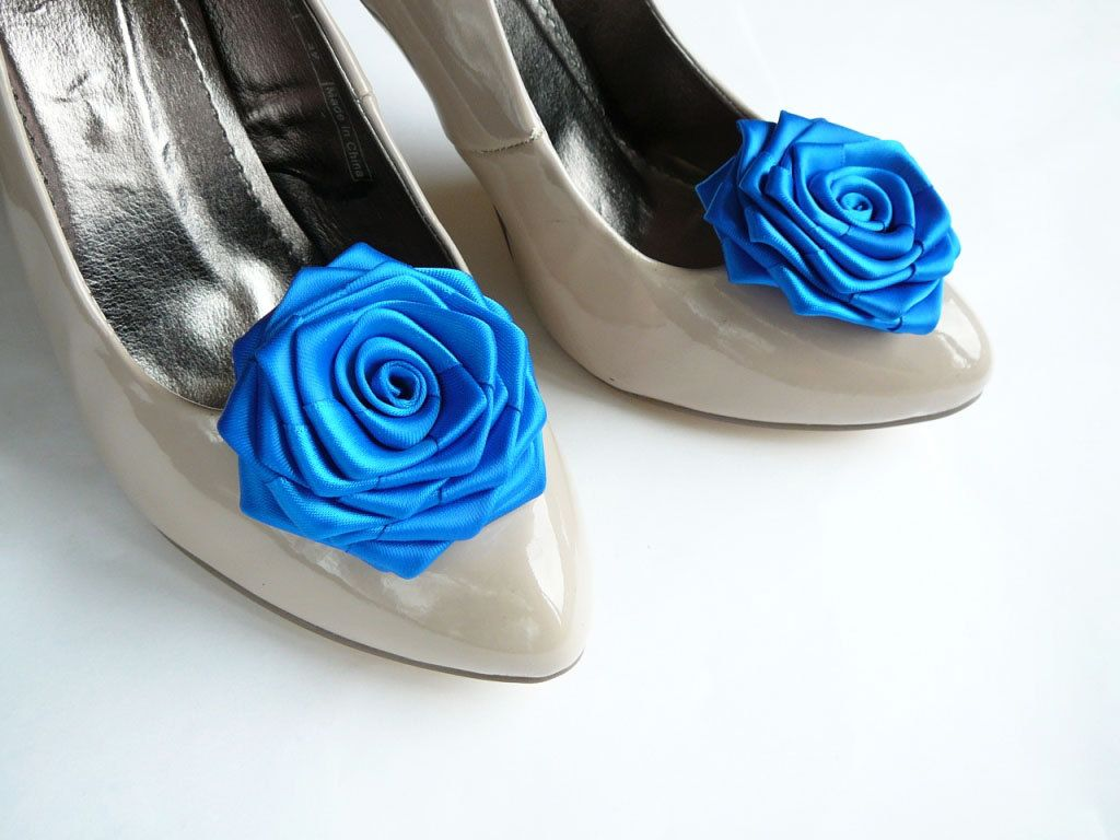blue roses!