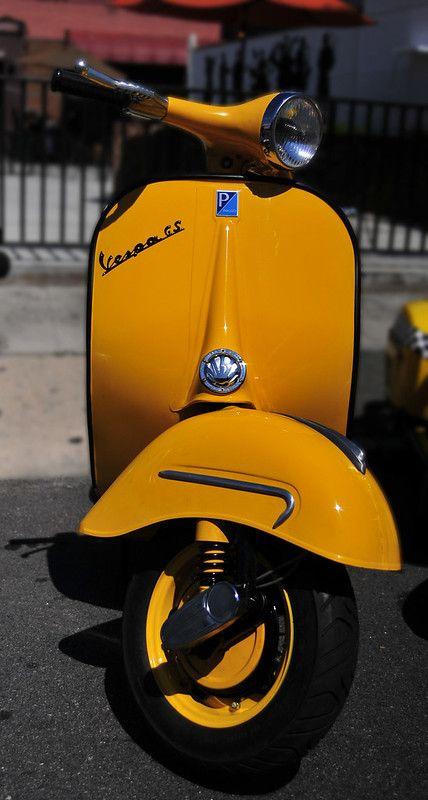 yellow vespa | Bull City Rumble 2012, Durham, NC Vintage Mot… | Flickr