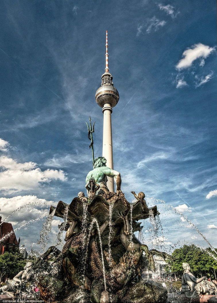 Berlin Alexanderplatz By Pingallery Mit Bildern Berlin Alexanderplatz Reiseagentur