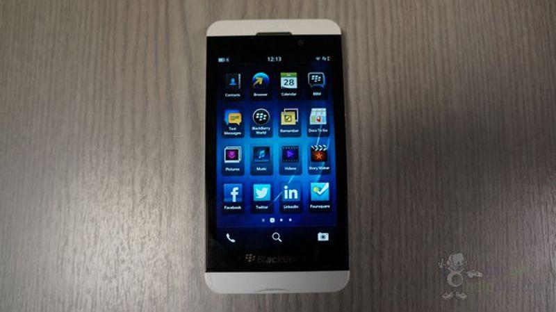BlackBerry Z10 blanco, nuevas imágenes de esta versión