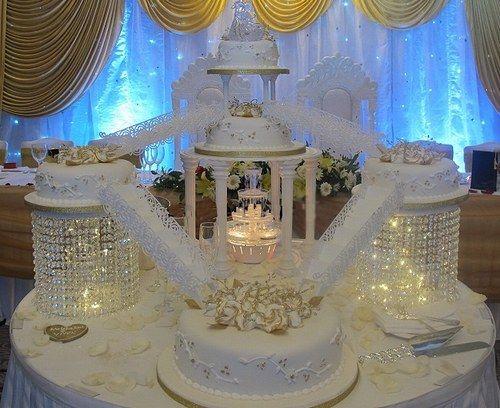 plus de 1000 ides propos de gateau spendide sur pinterest mariage baroque et gteau floral - Location De Presentoir A Gateaux Pour Mariage