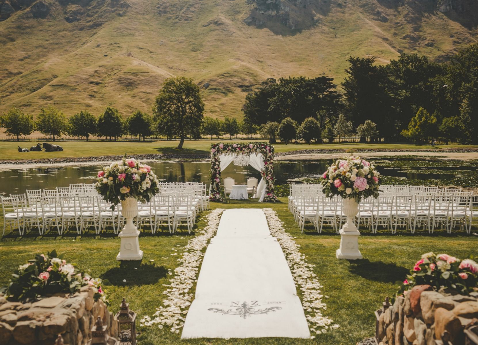 A colourful and vibrant new zealand wedding wedded wonderland a colourful and vibrant new zealand wedding wedded wonderland junglespirit Image collections
